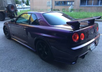 Nissan Skyline GT-R R34 4